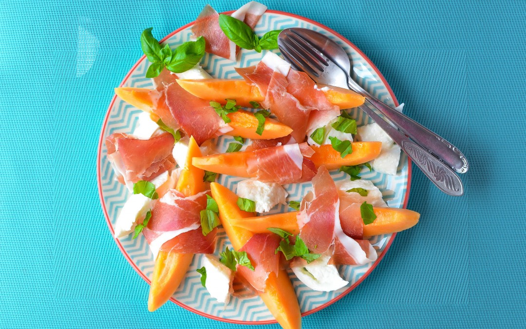 Easy, tasty and healthy melon and prosciutto starter
