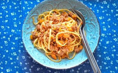 Pasta Linguine with Ragu alla bolognese sauce